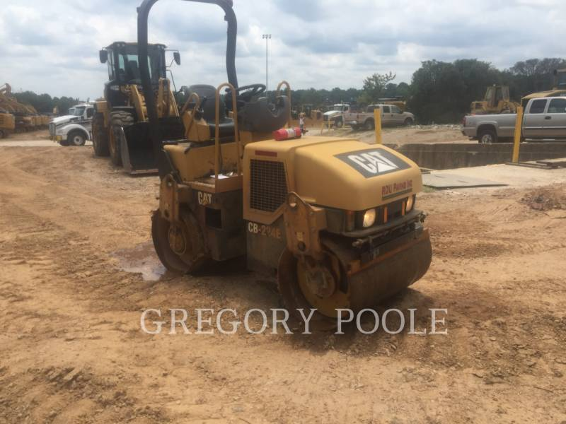 CATERPILLAR TAMBOR DOBLE VIBRATORIO ASFALTO CB-224E equipment  photo 8