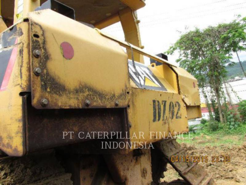 CATERPILLAR ブルドーザ D6R equipment  photo 8