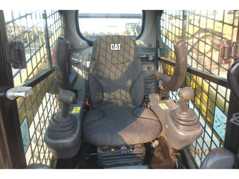 CATERPILLAR SKID STEER LOADERS 262D equipment  photo 7