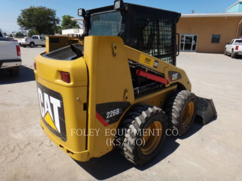 CATERPILLAR SKID STEER LOADERS 226B2 equipment  photo 4