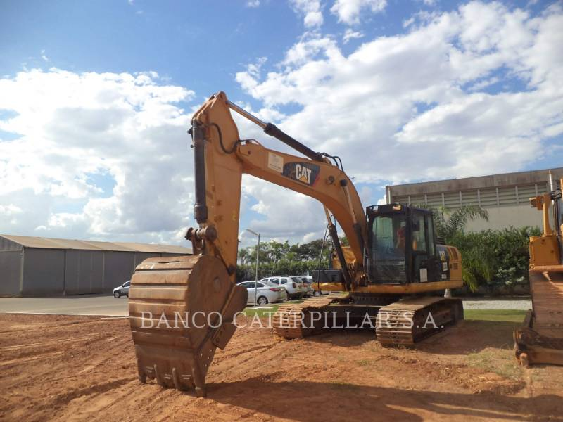 CATERPILLAR TRACK EXCAVATORS 323D2L equipment  photo 2
