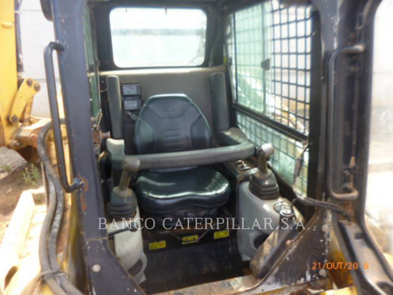 CATERPILLAR MINICARGADORAS 242B3 equipment  photo 15