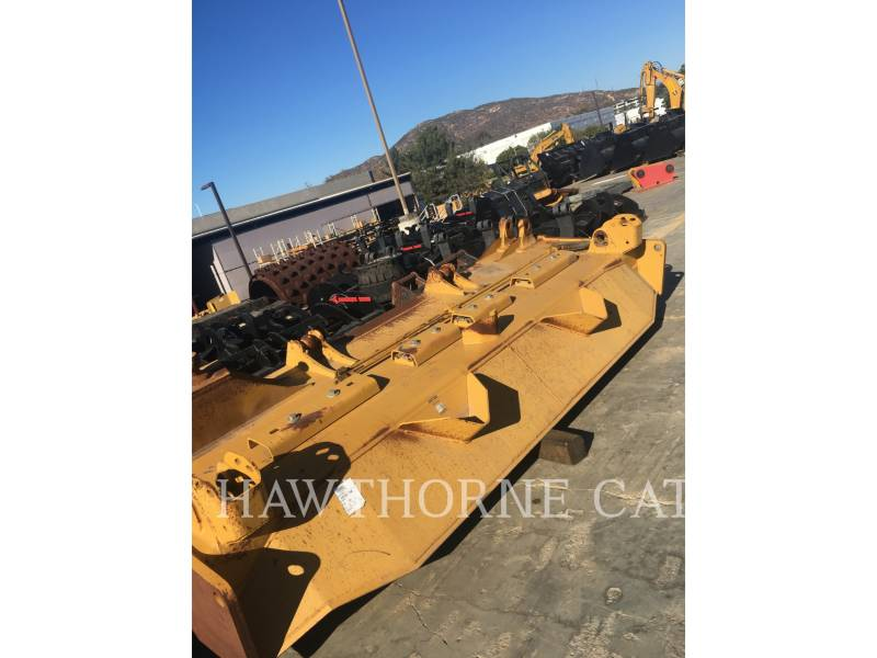 CATERPILLAR NARZ. ROB.- LEMIESZE D9 BLADE equipment  photo 1