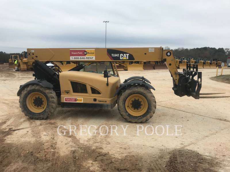 CATERPILLAR TELEHANDLER TL642 equipment  photo 4