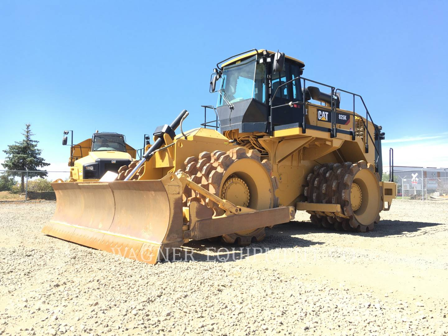 Detail photo of 2015 Caterpillar 825 from Construction Equipment Guide