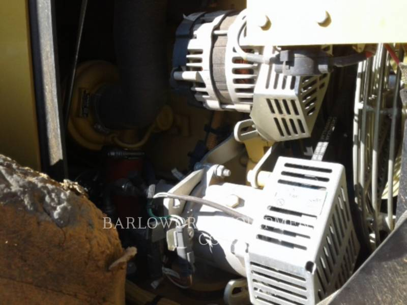 CATERPILLAR COMPATTATORE A SINGOLO TAMBURO VIBRANTE TASSELLATO CP-533E equipment  photo 9