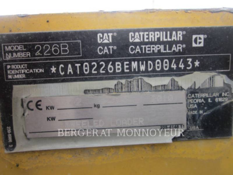 CATERPILLAR MINICARGADORAS 226B3 equipment  photo 13