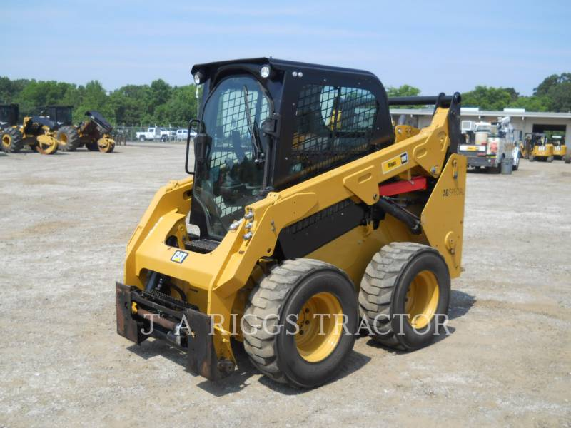 CATERPILLAR PALE COMPATTE SKID STEER 242D A equipment  photo 1
