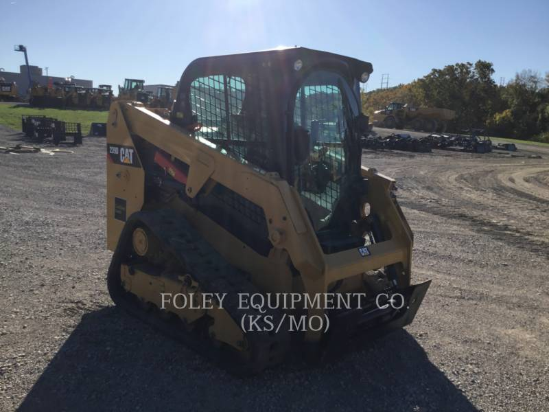 CATERPILLAR MINICARGADORAS 239DSTD1CA equipment  photo 2
