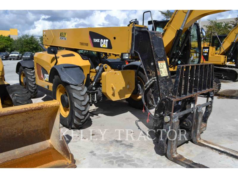 CATERPILLAR TELEHANDLER TL943C equipment  photo 1