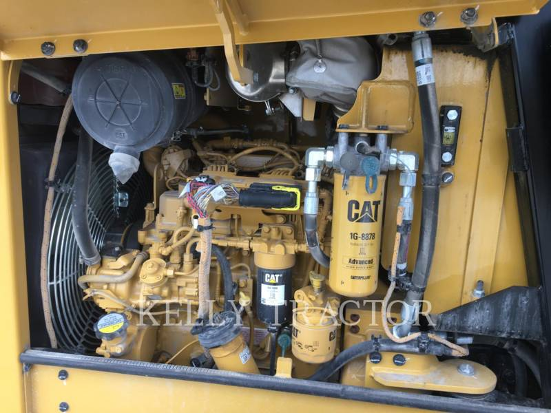 CATERPILLAR VIBRATORY SINGLE DRUM SMOOTH CS34 equipment  photo 8
