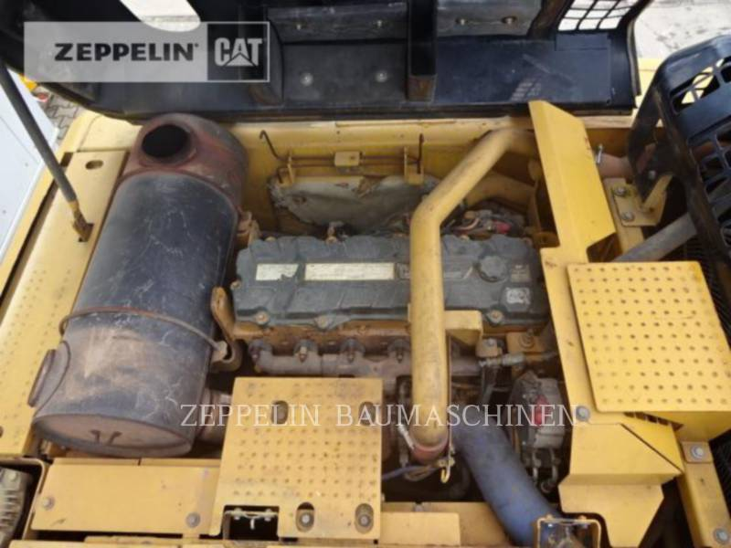 CATERPILLAR TRACK EXCAVATORS 336DL equipment  photo 19