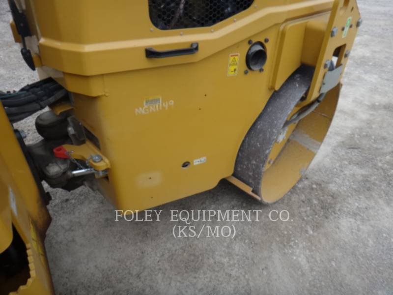 CATERPILLAR COMPACTORS CC34B equipment  photo 6