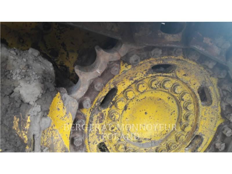 KOMATSU TRACTORES AGRÍCOLAS D61P X15 equipment  photo 8