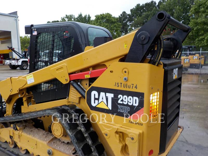 CATERPILLAR PALE CINGOLATE MULTI TERRAIN 299DXHP equipment  photo 9