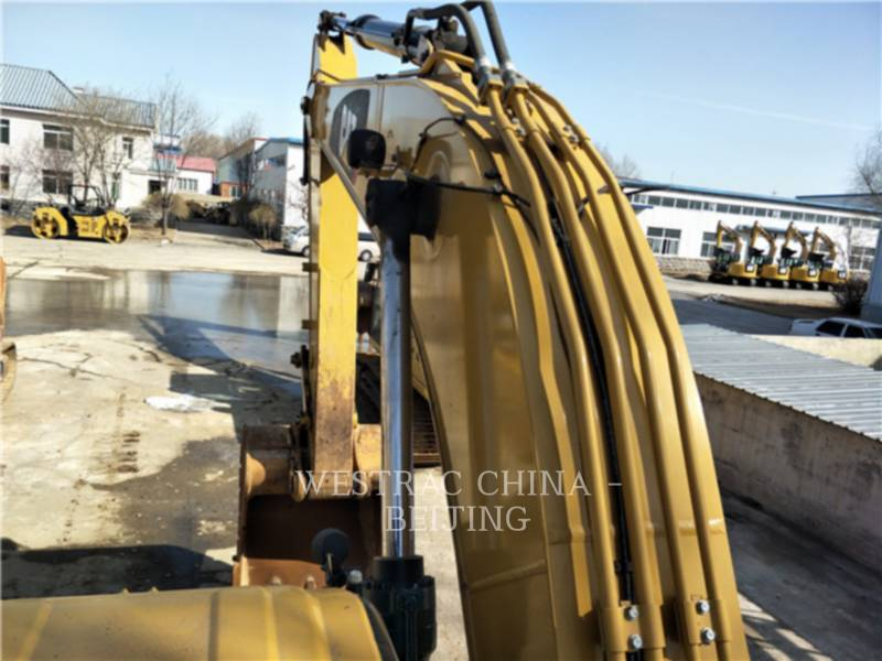 CATERPILLAR KETTEN-HYDRAULIKBAGGER 326D2L equipment  photo 17
