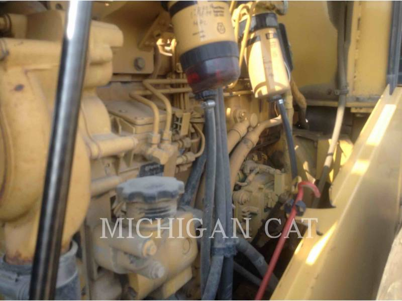 CATERPILLAR COMPACTADORES DE SUELOS CS683E equipment  photo 19