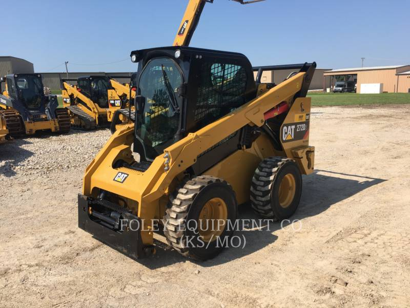CATERPILLAR PALE COMPATTE SKID STEER 272D2 equipment  photo 1