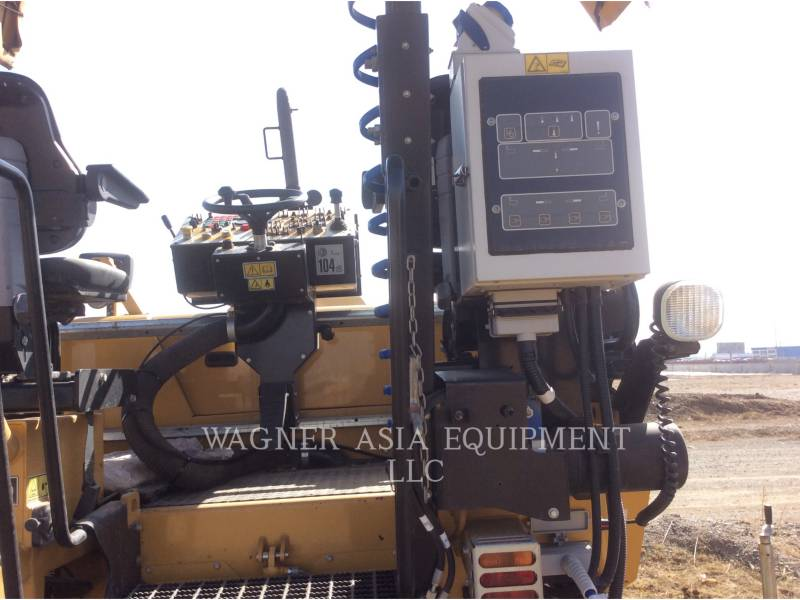 CATERPILLAR ASPHALT PAVERS AP-300 equipment  photo 13