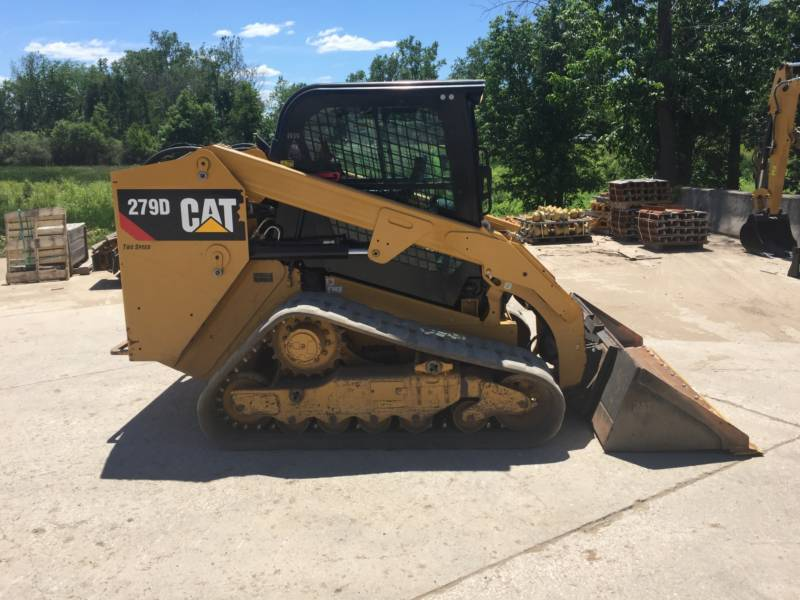 CATERPILLAR CHARGEURS TOUT TERRAIN 279D equipment  photo 12