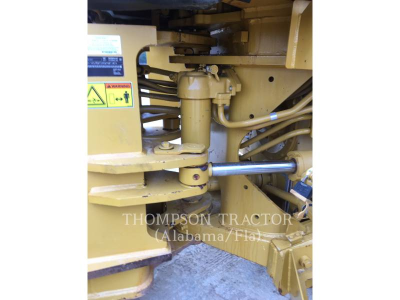 CATERPILLAR COMPACTORS 815FII equipment  photo 10