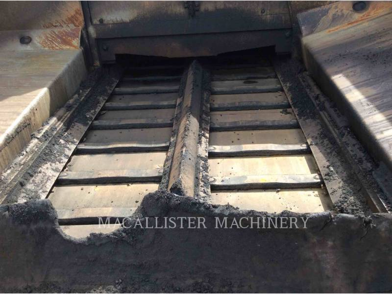 CATERPILLAR ASPHALT PAVERS AP-1055D equipment  photo 19