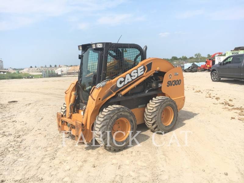 CASE/NEW HOLLAND CHARGEURS COMPACTS RIGIDES SV300 equipment  photo 2