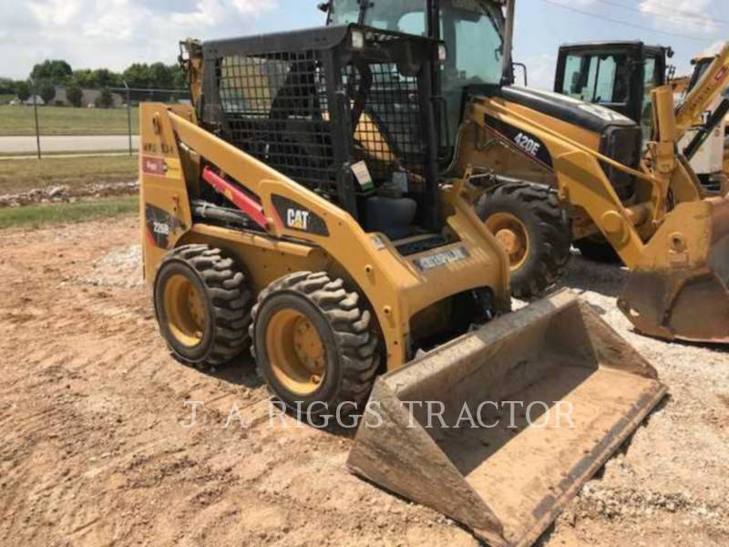 CATERPILLAR PALE COMPATTE SKID STEER 226B3 equipment  photo 1