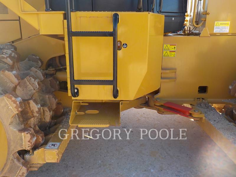 CATERPILLAR WHEEL DOZERS 815F II equipment  photo 7