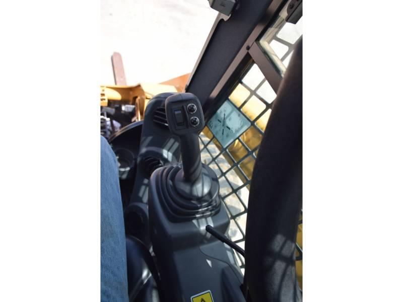 CATERPILLAR スキッド・ステア・ローダ 246 D equipment  photo 20