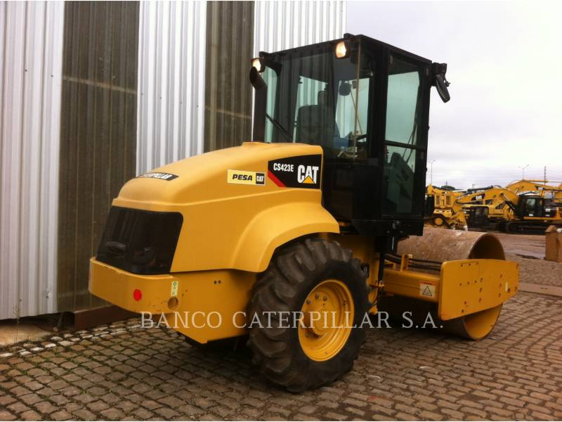 CATERPILLAR PLANO DO TAMBOR ÚNICO VIBRATÓRIO CS-423E equipment  photo 4