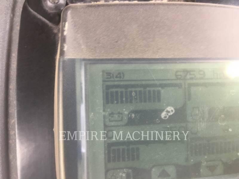 CATERPILLAR 振動ダブル・ドラム・アスファルト CB44B equipment  photo 5