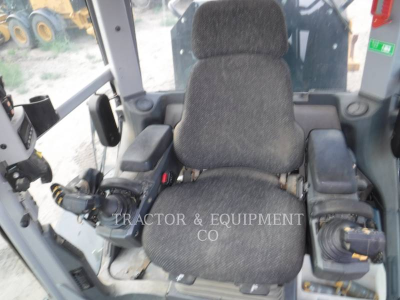 Caterpillar AUTOGREDERE 160M2 AWD equipment  photo 4