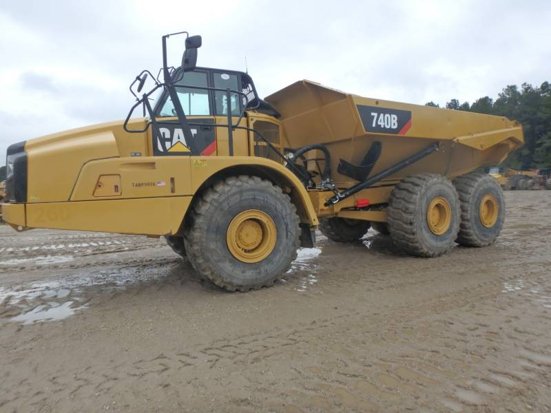 CATERPILLAR DUMPER ARTICOLATI 740B equipment  photo 1