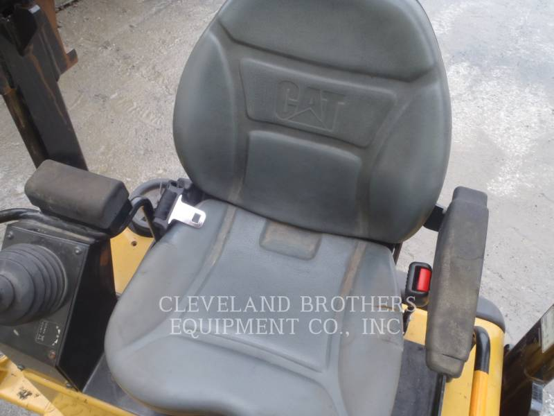 CATERPILLAR COMPACTORS CB32 equipment  photo 5