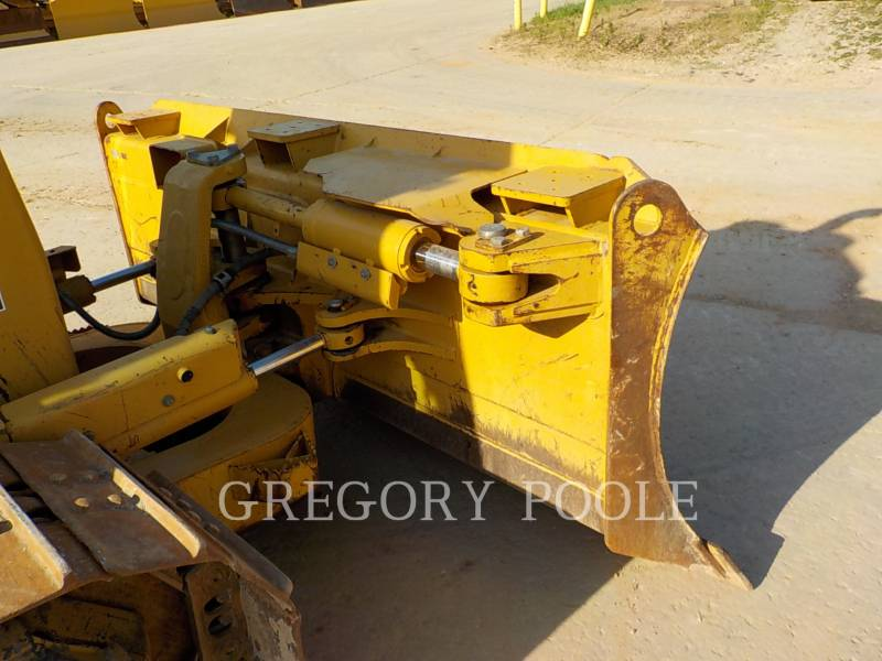 CATERPILLAR TRACK TYPE TRACTORS D6K XL equipment  photo 4