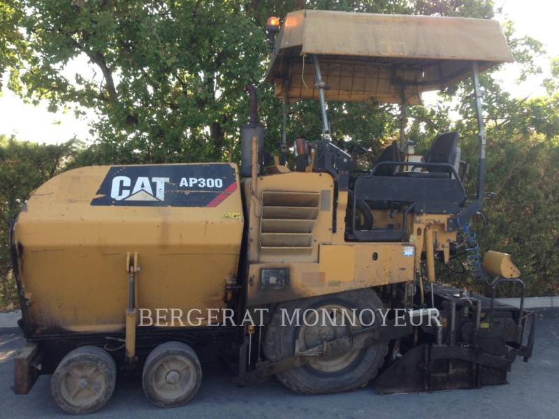 CATERPILLAR FINISSEURS AP-300 equipment  photo 8