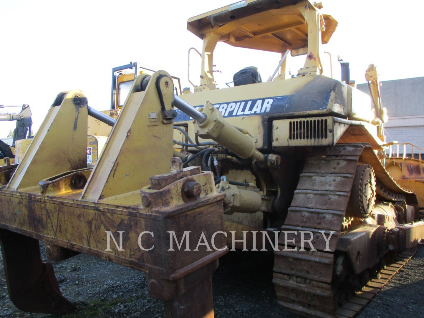 Detail photo of 1991 Caterpillar D8N from Construction Equipment Guide