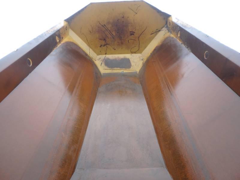 CATERPILLAR KNICKGELENKTE MULDENKIPPER 745C equipment  photo 8