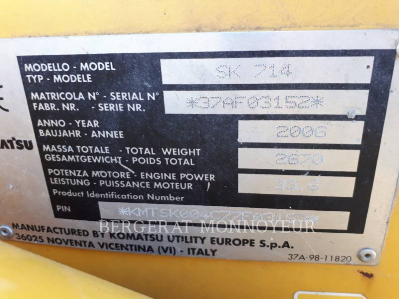 KOMATSU SKID STEER LOADERS SK714 equipment  photo 5