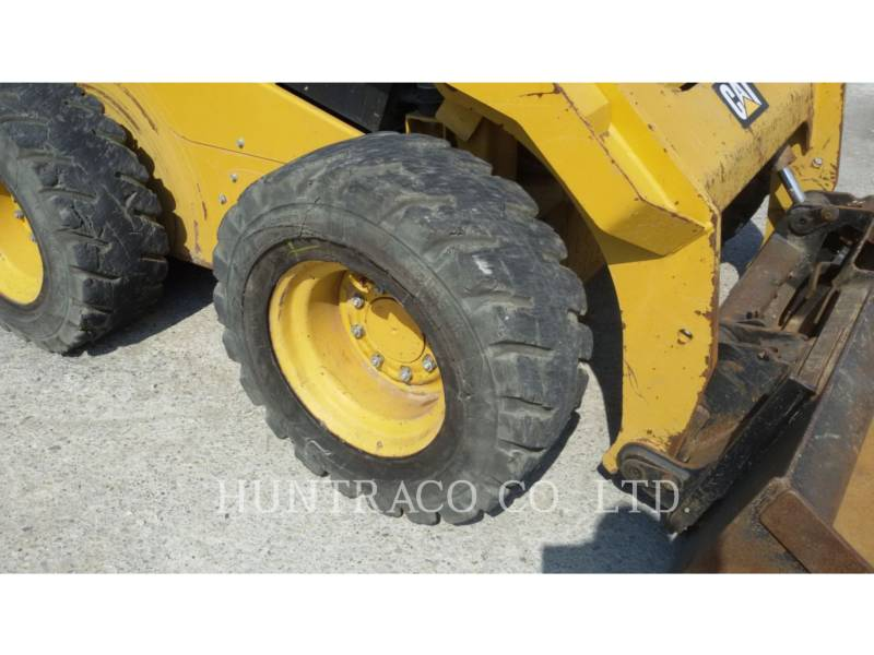 CATERPILLAR PALE COMPATTE SKID STEER 246 D equipment  photo 8