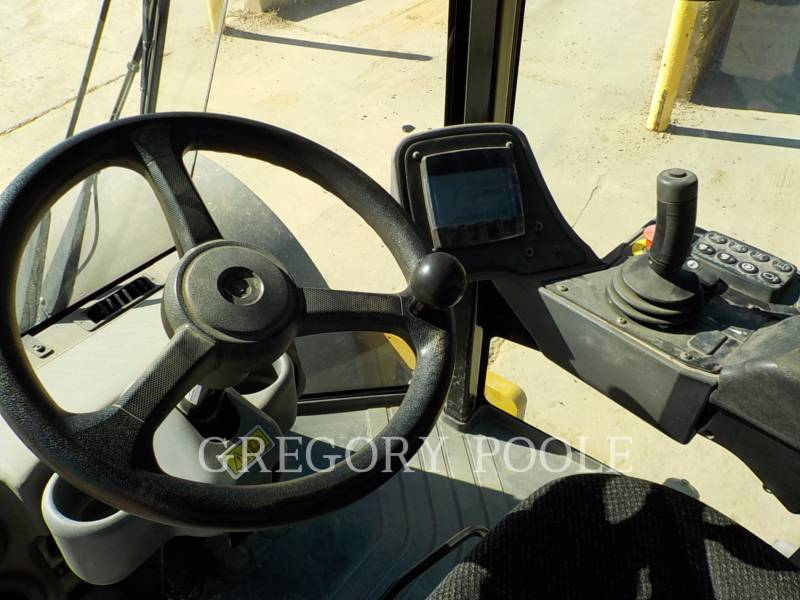 CATERPILLAR COMPACTADORES DE SUELOS CS66B equipment  photo 24