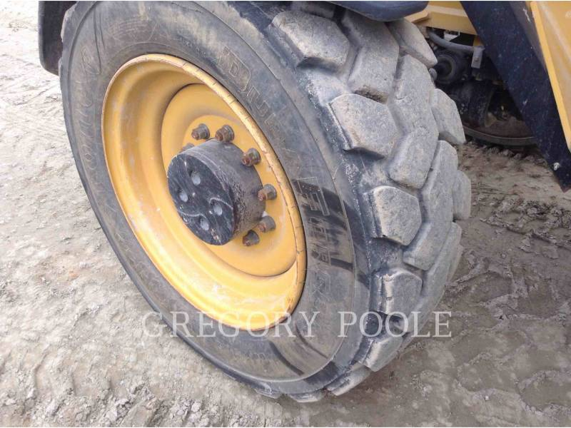 CATERPILLAR TELEHANDLER TL1055C equipment  photo 23