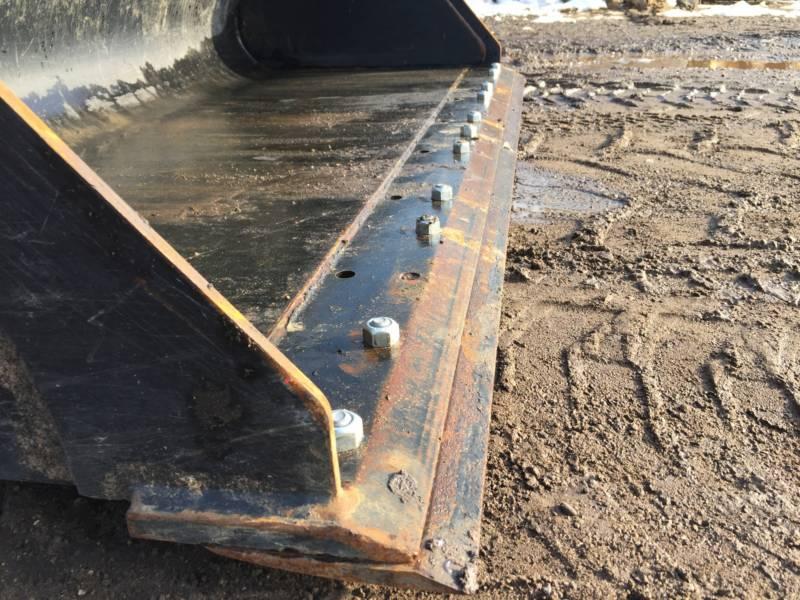 Caterpillar MINIÎNCĂRCĂTOARE RIGIDE MULTIFUNCŢIONALE 242D equipment  photo 15