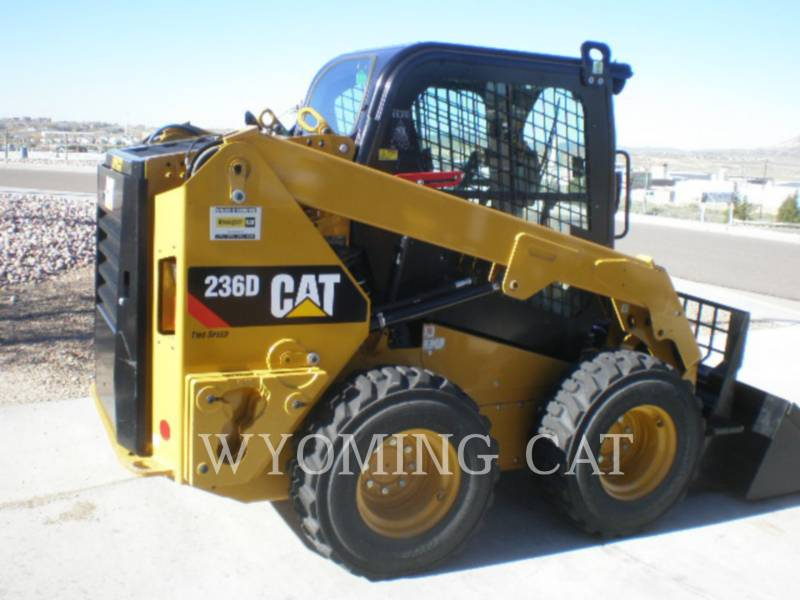 CATERPILLAR MINICARGADORAS 236D equipment  photo 4