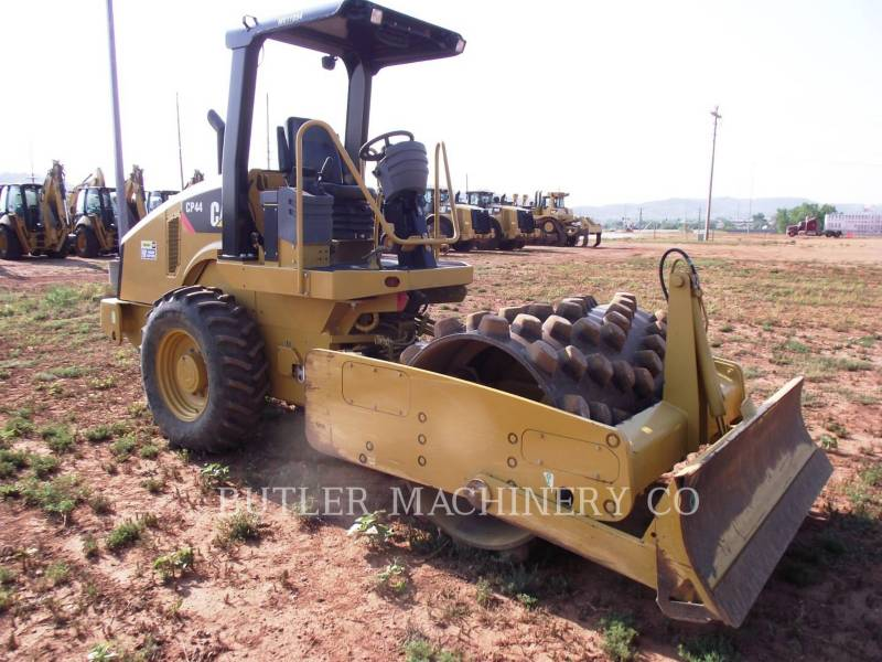 CATERPILLAR ASPHALT PAVERS CP44 equipment  photo 2