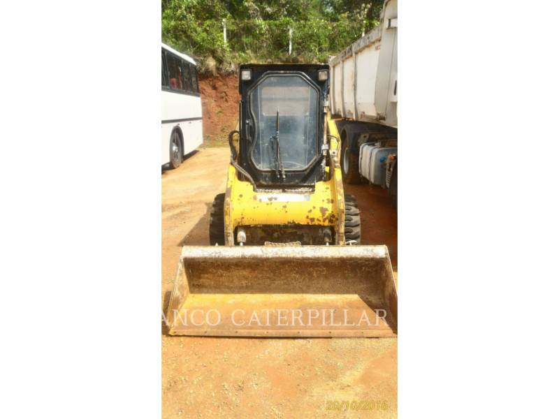 CATERPILLAR CHARGEURS COMPACTS RIGIDES 242B3 equipment  photo 8