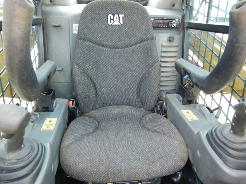 CATERPILLAR MULTI TERRAIN LOADERS 257 D equipment  photo 13