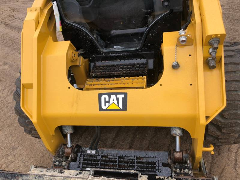 CATERPILLAR PALE COMPATTE SKID STEER 262 D equipment  photo 13