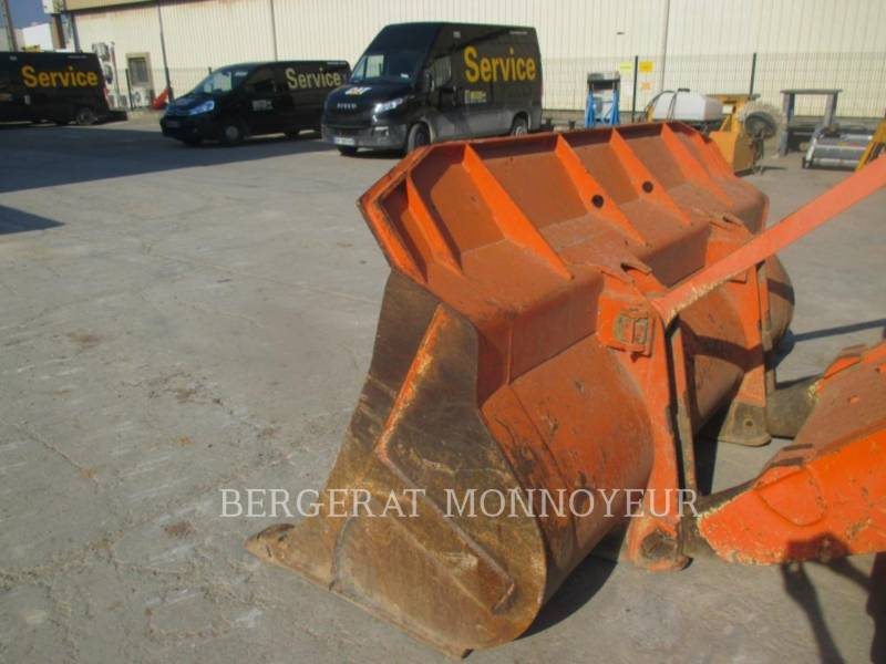FIAT ALLIS / NEW HOLLAND TRACK LOADERS FL145 equipment  photo 3
